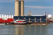 Capt. Dan with a container barge for Flushing Bay