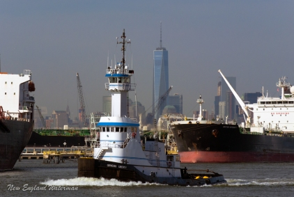 Genesis Liberty, westbound light tug